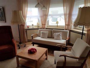 Fewo-Seyfert Wohnzimmer Sitzgruppe Ansicht 1